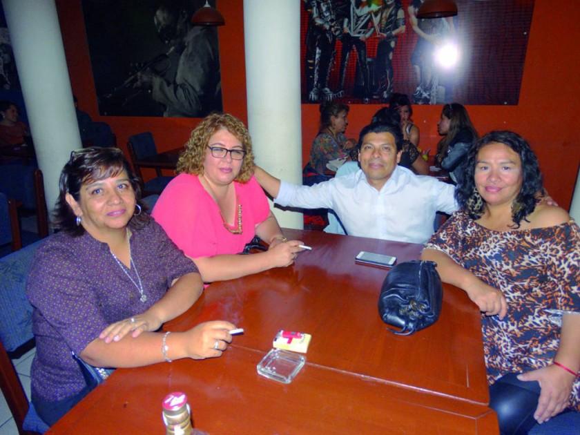 Marcela Carvajal, Mónica Morales, Javier Urcullo y Maritza Caballero.