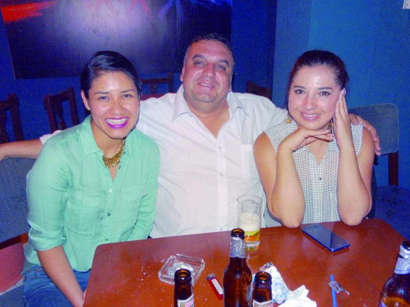 Carla Mullucundo, José Dupleich y Claudia Porcel.