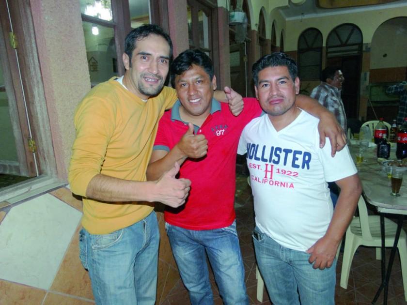 Marco Mendoza, Franz Mendoza y Emilio Colque.