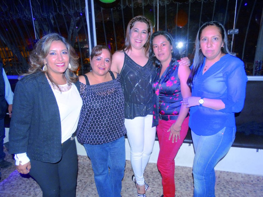 Sonia Rodas, Liedma Medina, Fabiola Casso, Consuelo López y Soraya Zenteno.