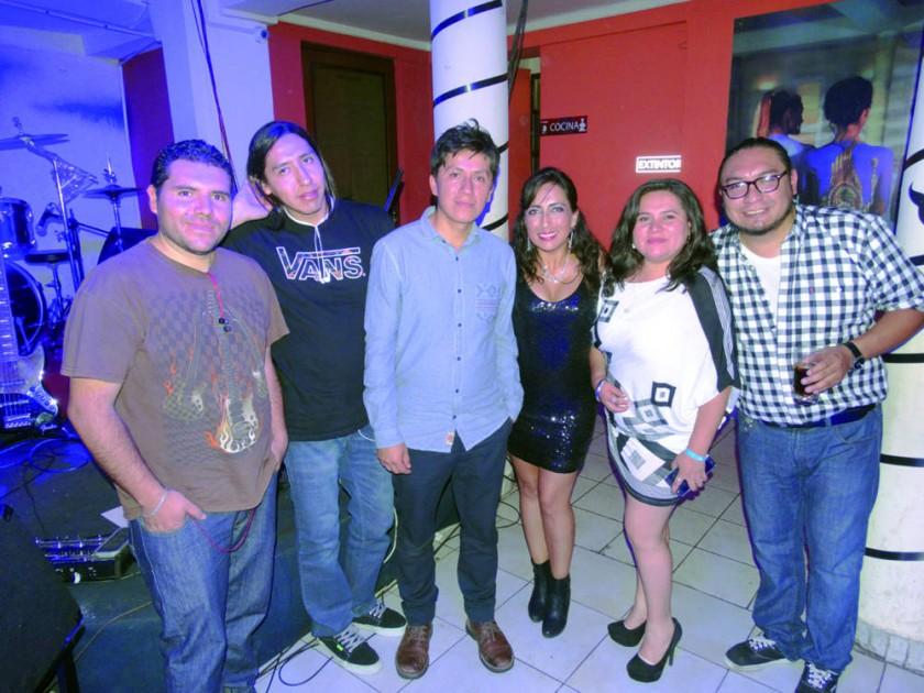 José Aparicio, Juan José Orihuela, Henry Robles, Paola Burgos,  Patricia Aramayo y Cristian Zárate.