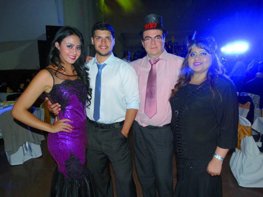 Nicole Gantier, David Caballero, Arturo Gantier y Lilibeth Ríos.