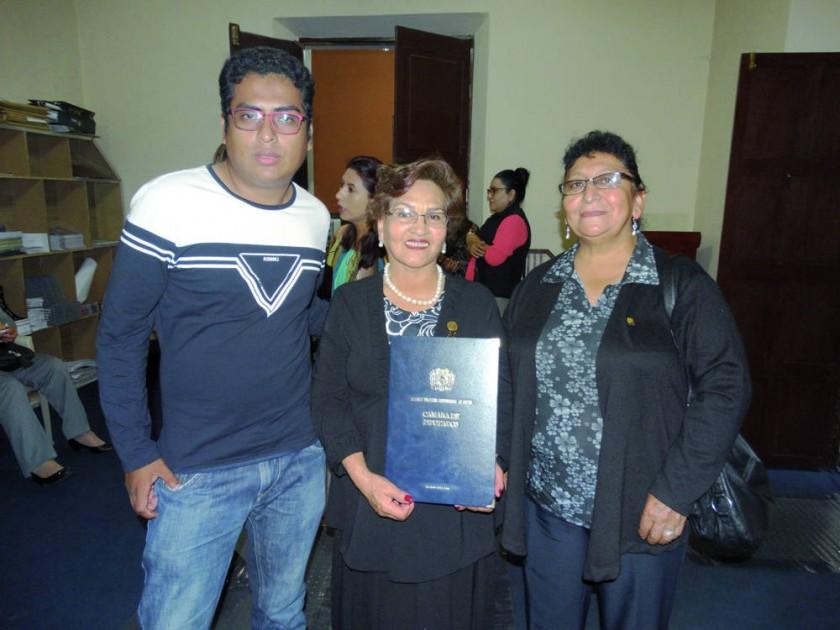 Elmar Callejas, Graciela Olivares y  Carmen Domínguez.
