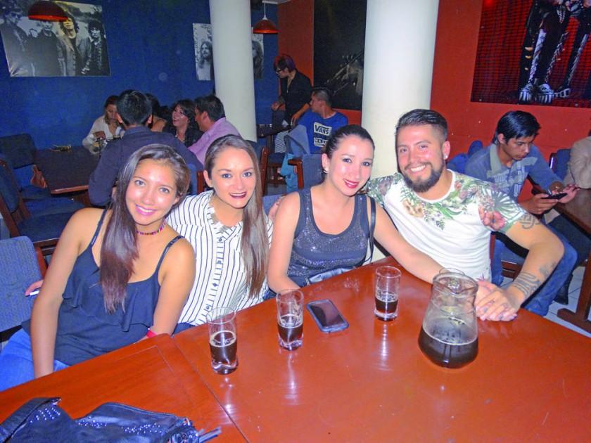 Erika Pino, Ariana Plaza, Marcia Vera y Gonzalo Vega.