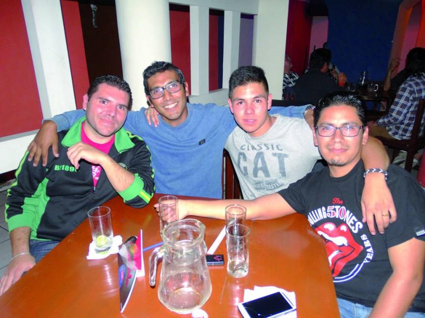 Edwin Tejerina, Farid Aparicio, Alberto Villalba y José Aparicio.