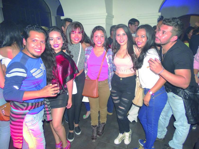 Jorge, Manuela, Rosario, Alejandra, Neni y Raquel.
