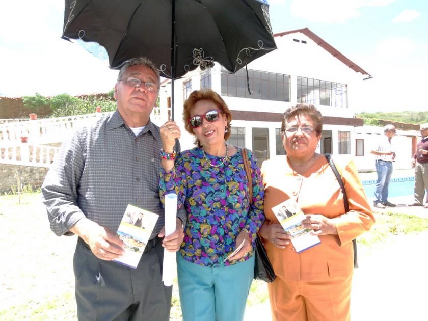 Víctor Porcel, Teresa Barahona y Clotilde Barahona.