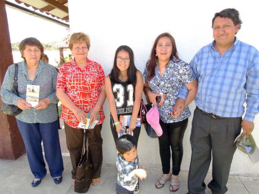 Isabel de Ribera, Ruth Cors, Michelle Marín,  Viviana Rivera y Rafael Vargas.