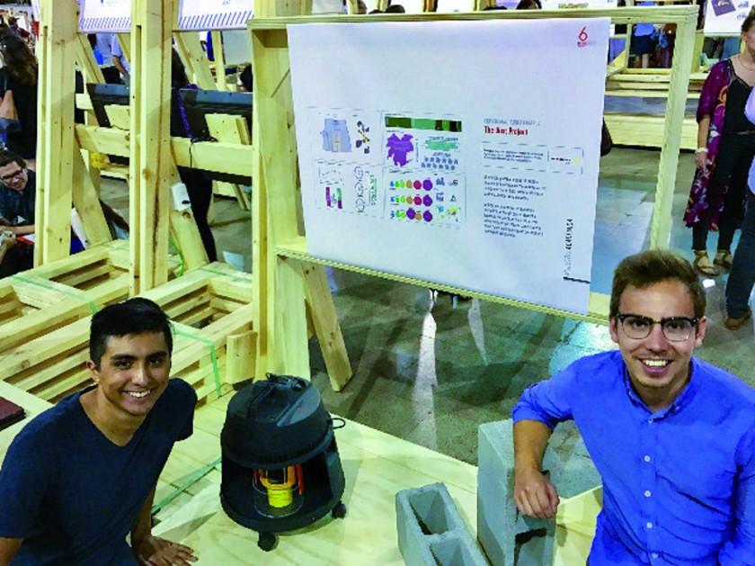 """El proyecto """"The Dust Project"""" en la Bienal Alerta Diseño de Chile. Sus integrantes son Nicolás Kersting, Patricio..."""