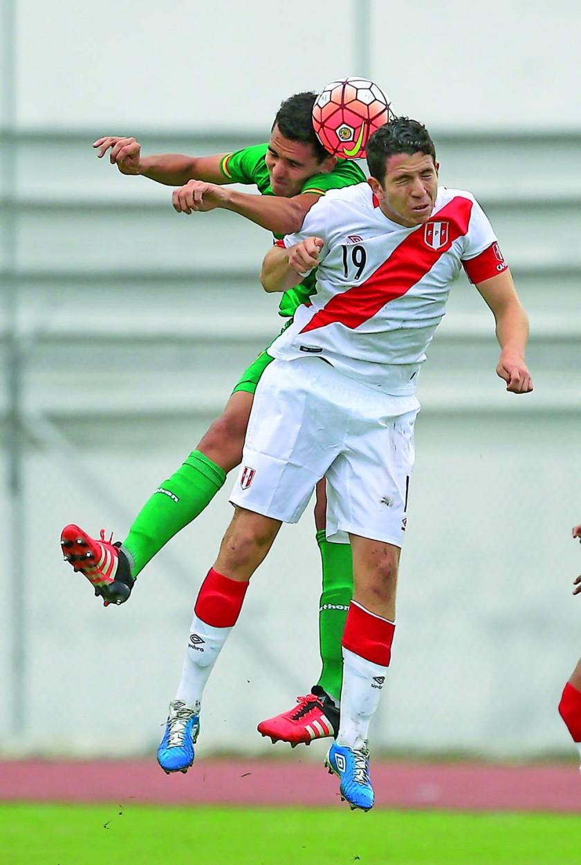 El seleccionado nacional debutó ayer con un triunfo sobre el combinado incaico.