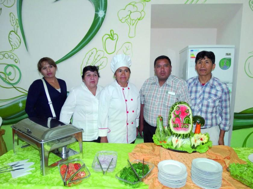 María Luz Flores, Rosario Rivas, Lourdes Choque, Boris Estrella  y Mario Martela.