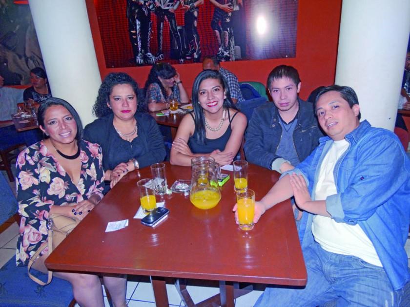 Paddy, Neyda, Elba, Sergio y Gustavo.