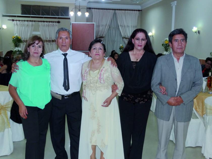 Zaida Baldivieso, Jorge Lenis, Nelly Gonzales, Bertha Barrón y Willy Ortega.