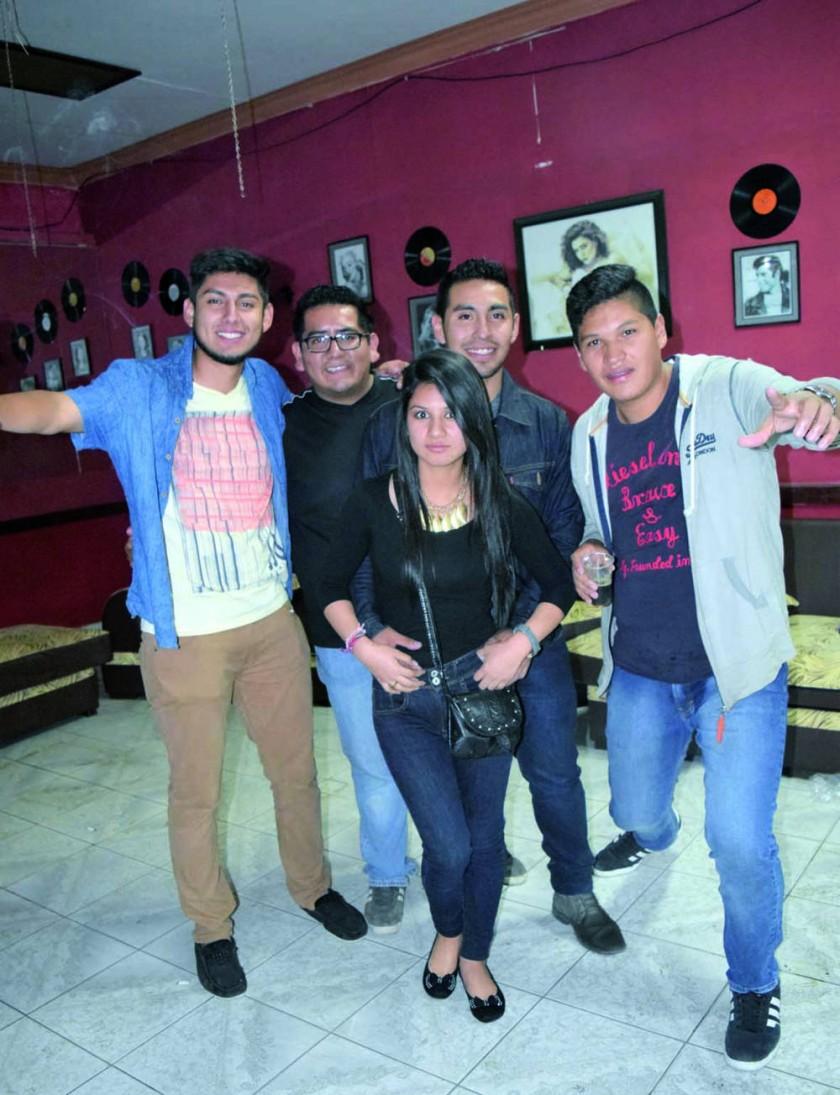 Rodrigo, Carlos, Dayane, Roberto y Rudy.