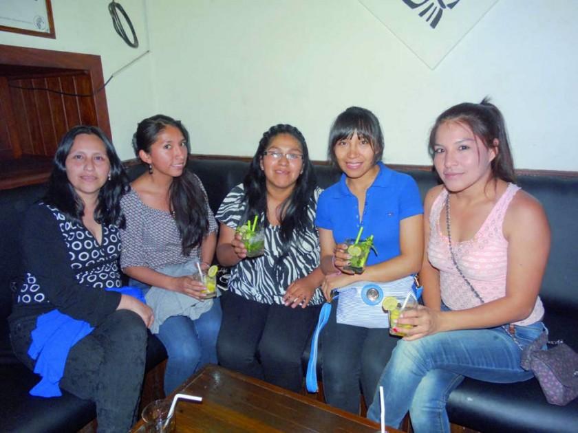 Ximena, Nidia, Elena, Norca y Nataly.