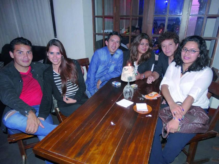 Pablo Pereira, Cecilia Cuellar, Jorge Iglesias, Carla Avendaño,  Gonzalo del Carpio y Andrea Otondo.