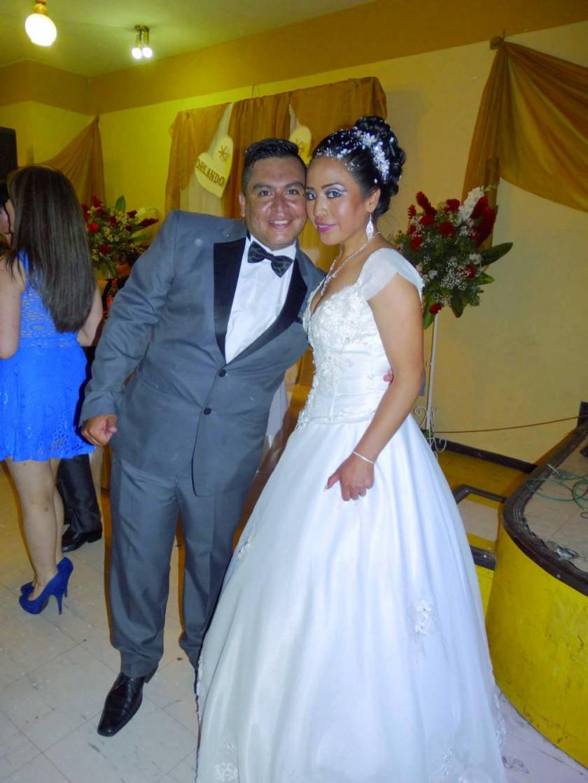 Orlando Sandro Flores Gonzales y Consuelo Romero Cordero.