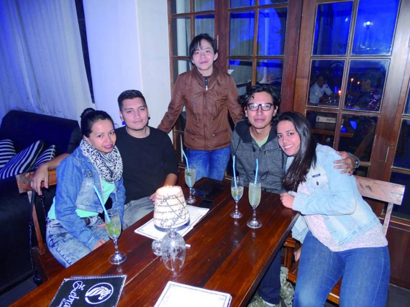 Lenia, Jonathan, Adriana, Carlos y Esther.