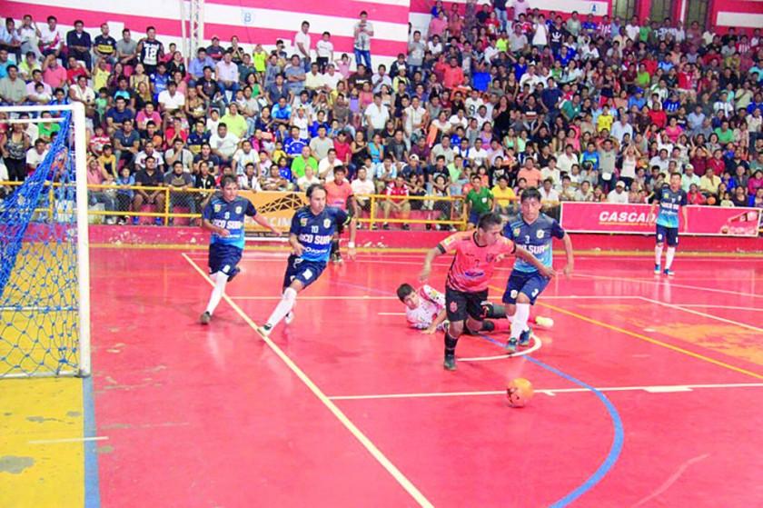 Goleada de Rico Sur pone a Sucre cerca del título nacional en futsal