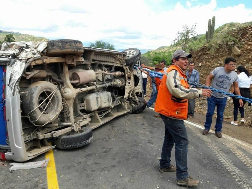 El grupo de Voluntarios de Rescate Aiquile ayudó a los accidentados.