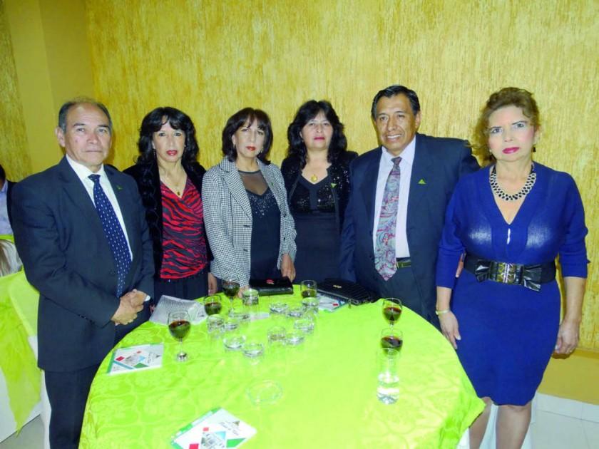René Cuellar, Miriam Quinteros, Betty Quinteros, Martha Leyton, Edgar Mancilla y Rosa Núñez.