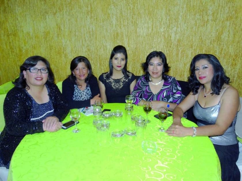 Marleny Grimaldos, Reina Gonzales, Andrea Suárez, María Eugenia Mora y Rosemary Romero.