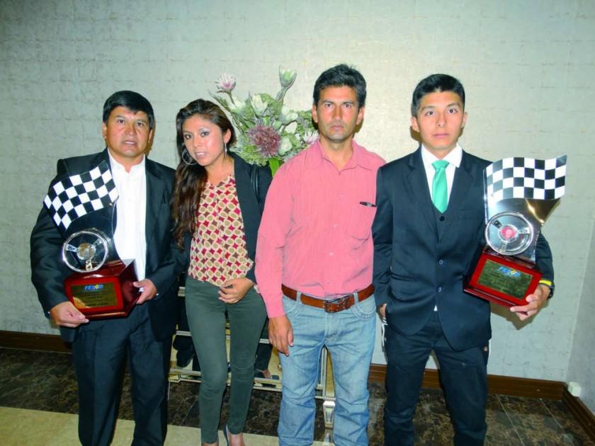 Limbert Fiengo, Mariela Quispe, Cliver Fiengo y Rodrigo Fiengo.