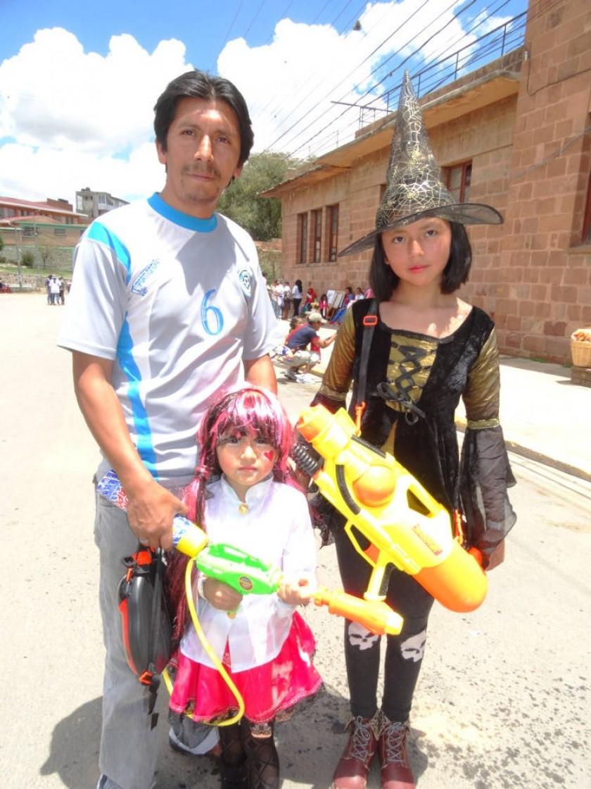 José, Giselle y Yasmín Paniagua.