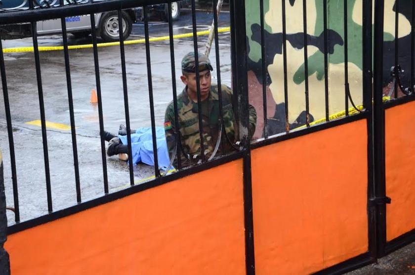 El feminicidio suicidio ocurrió hoy en un batallón en Cochabamba. FOTO: Los Tiempos
