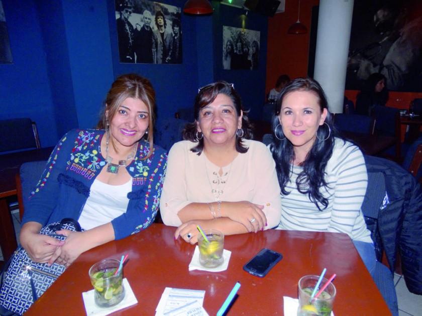 Rosemary Morales, Marcela Carvajal y Heidi Alurralde.