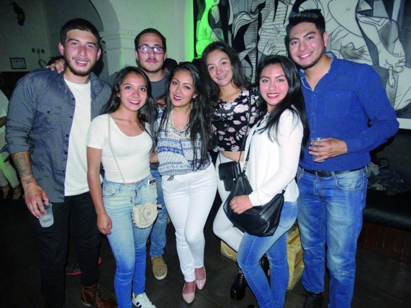 Diego Guzmán, Daniela Meneces, Adrián Ávila, Natalia Loayza, Alejandra Ceballos, Jhoselme Díaz y Daniel Candia.