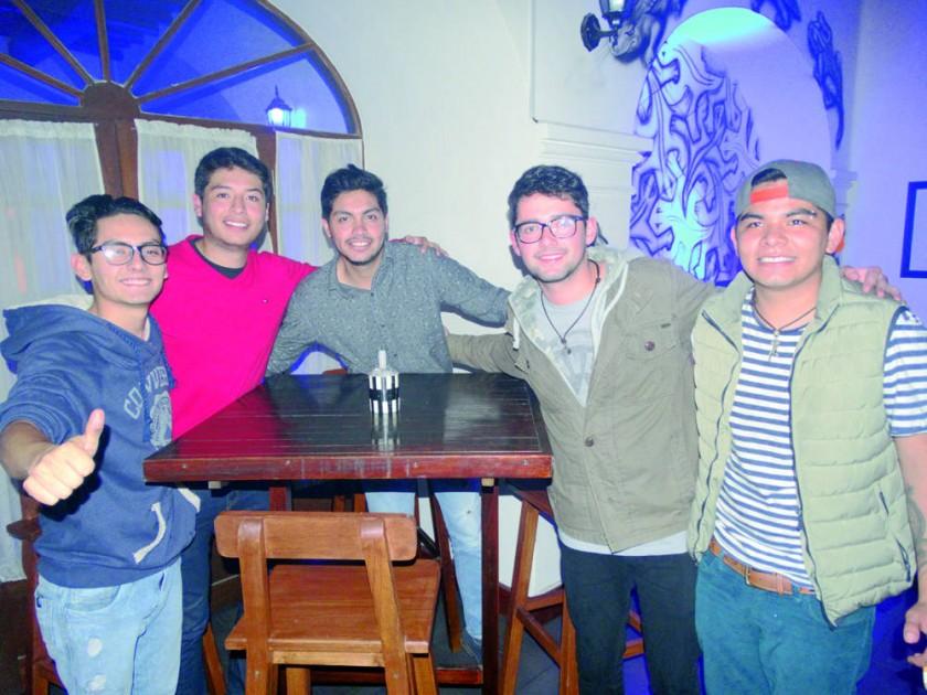 Diego Avilés, Sergio Cabezas, James Borja, Mauricio Villegas y Mauricio Nava.