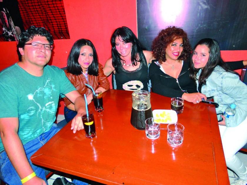 Richard Peñaranda, Jhanet Gorena, Sonia Dávalos, Mónica Salinas  y Natalia Rengel.