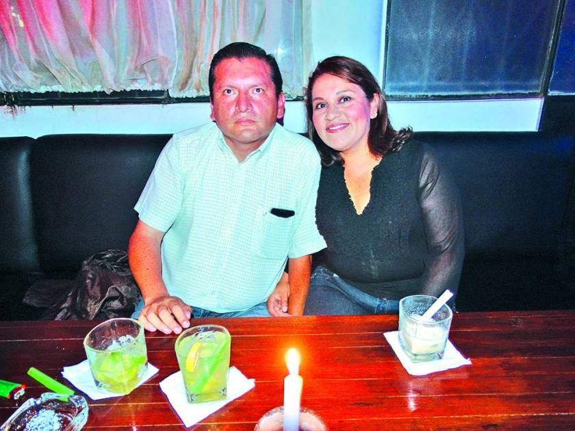Cliver Miranda y Neyda Ramírez celebraron su décimo aniversario de bodas.