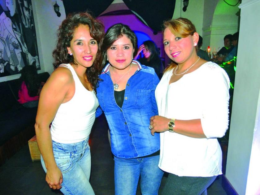 Marcela Sotomayor, Patricia Aparicio y Mariela Fortún.