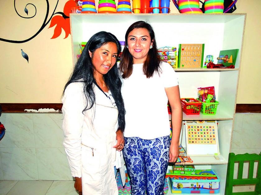 Evelin Achá y Paola Castro.