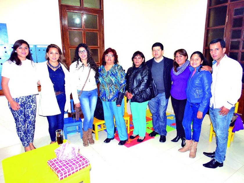 Paola Castro, Cecilia Caballero, Mariana Valda, Espereanza Zelaya, Ana María Zelaya, Luis Armas, Claudia de Armas...