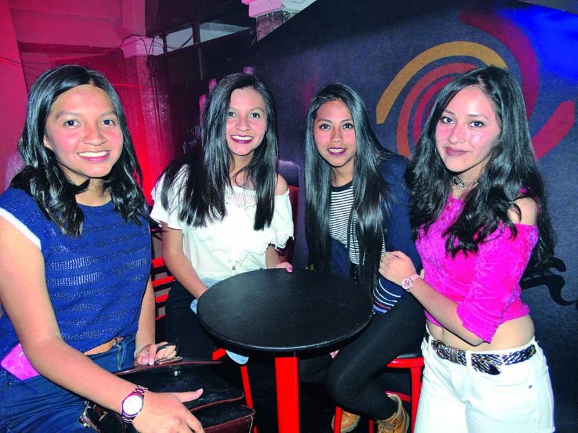 Fernanda Caba, Pilar Caba, Jhojara Pinto y Alison Mendoza