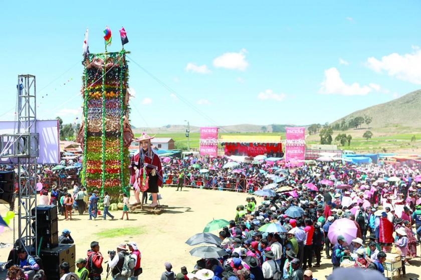 IMPONENTE. Así lucía ayer la Gran Pucara del Pujllay 2017, que alcanzó los 12 metros de altura, dos más que el año...