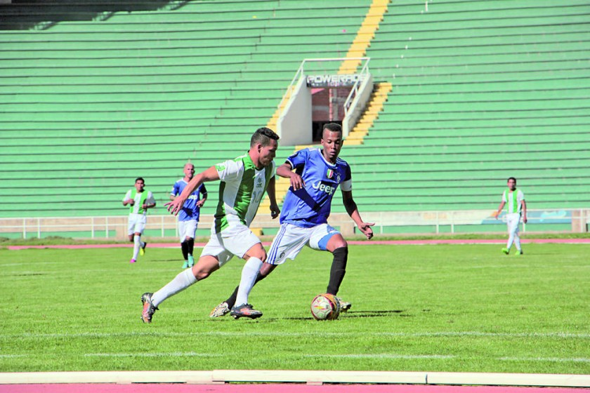 Atlético Sucre debutó con una goleada sobre Alemán.