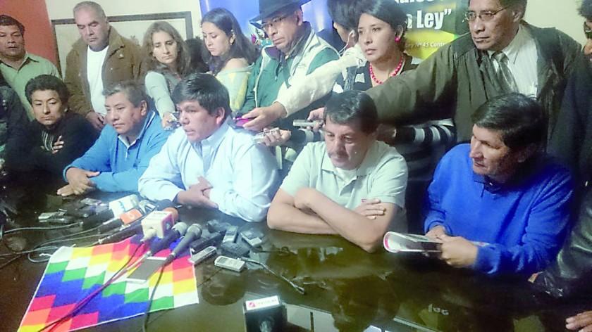 TRANSPORTE. Aguilar criticó a los representantes de la Gobernación en FANCESA.