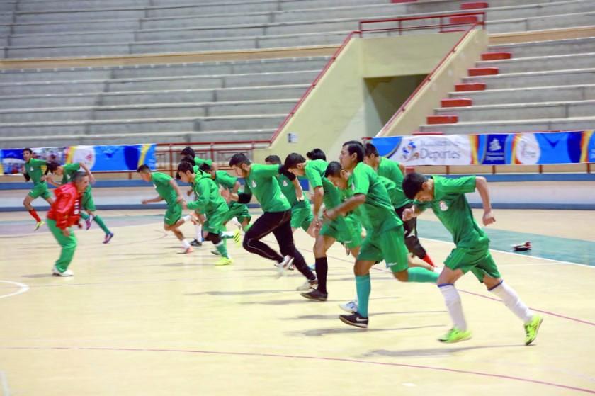 La preselección boliviana cumplió ayer su tercera jornada de entrenamientos, en el Polideportivo de Garcilazo.
