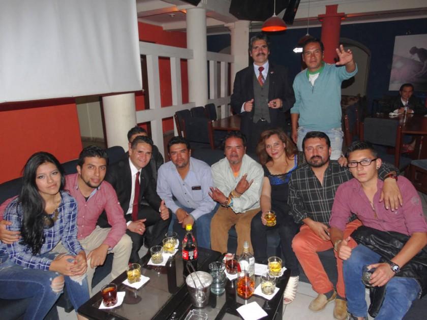 Gabriel Gareca (Arriba primero izquierda), celebró su cumpleaños y el día del padre.