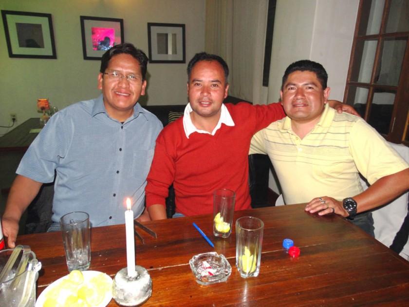 Teófilo Seno, Juan Carlos Durán y Jhilmar Calvimontes celebraron el Día del Padre.