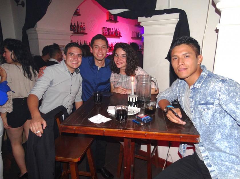Kevin, Mario,  Pilar y Daniel.