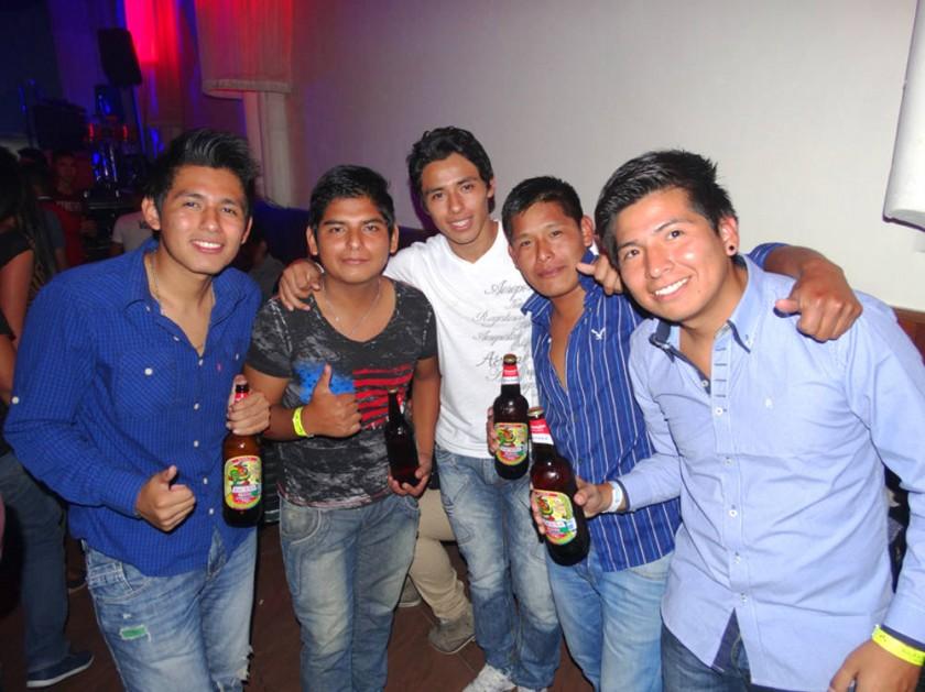 """Cristian, Carlos, Rodrigo, José Luis y """"Bollywood""""."""