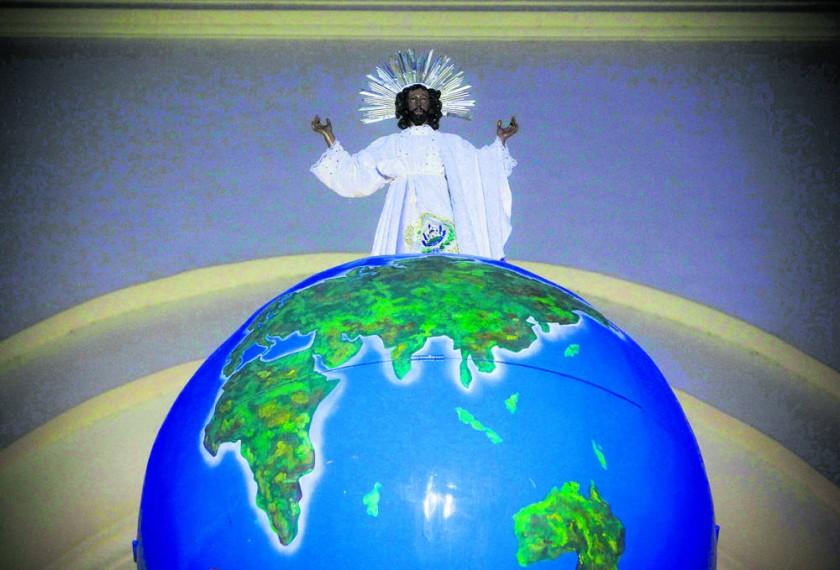 ¿Pasó en su juventud Jesucristo por la India y el Himalaya? Aquí se muestra la imagen del Divino Salvador del Mundo ...