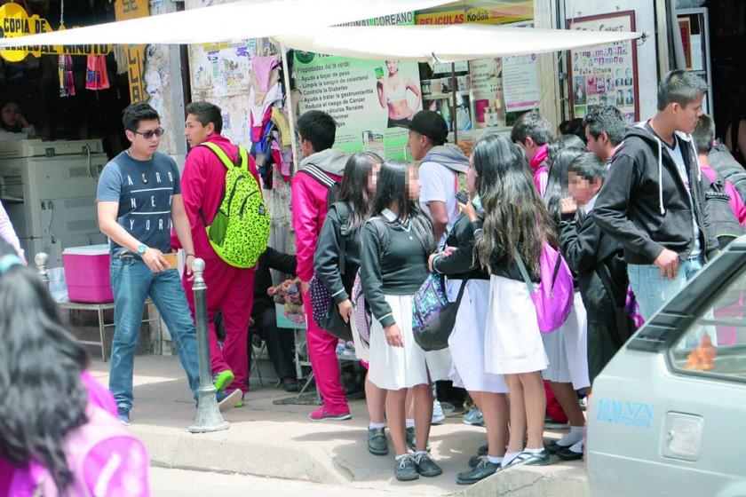 VULNERABLES. Las muertes por cáncer de cuello uterino en Bolivia cada vez son más frecuentes, sólo en el Instituto...