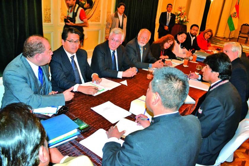 Chile demora en dar visa a ministro y genera molestia
