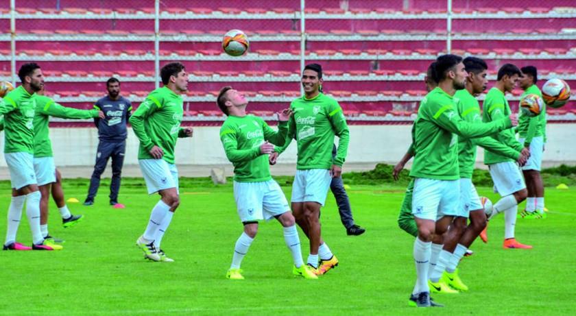 Bolivia recibe a Argentina
